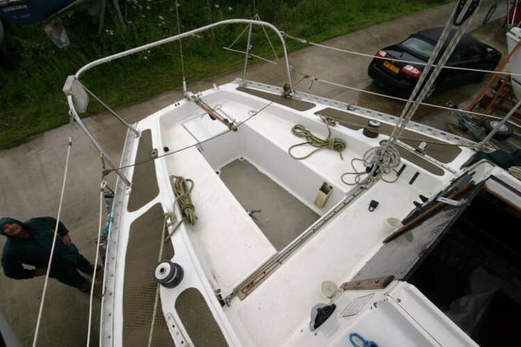 Master Marine Eygthene 24for sale The cockpit - Note the mainsheet traveller
