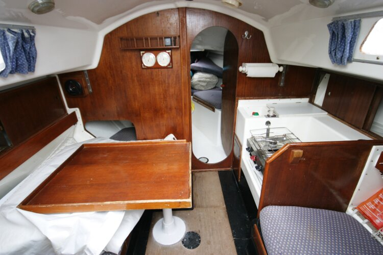 Master Marine Eygthene 24for sale The view from the saloon - With the door into the fore cabin