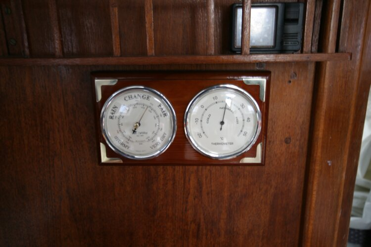 Master Marine Eygthene 24for sale The barometer - The barometer and hygrometer