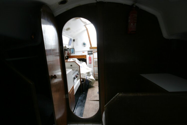 Master Marine Eygthene 24 Looking aft from the fore cabin