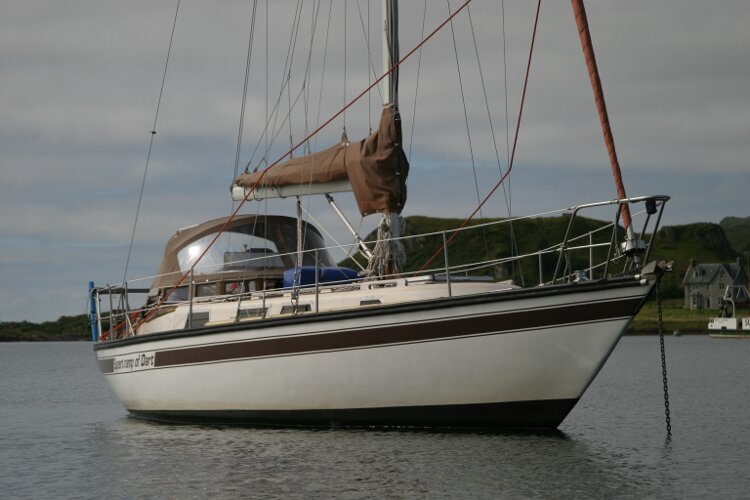 Bruce Roberts 34 Sailing Yacht Starboard