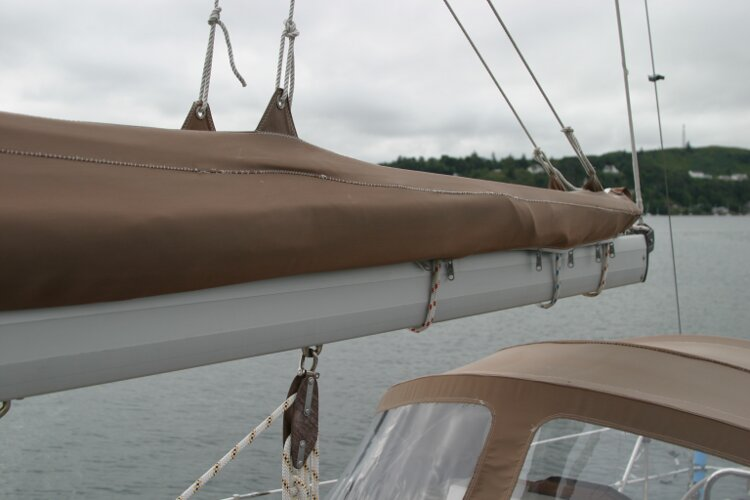 Bruce Roberts 34 Sailing Yachtfor sale Boom - With stack pack and lazyjacks.