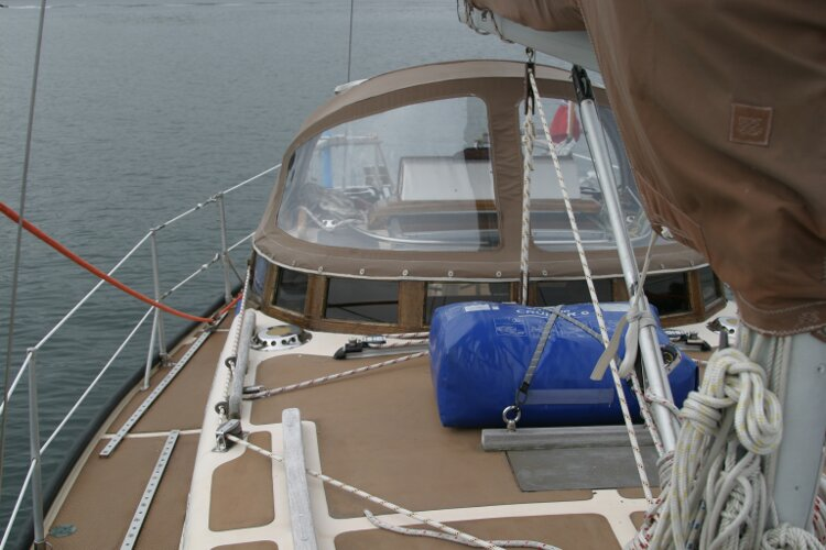 Bruce Roberts 34 Sailing Yacht View aft, starboard side
