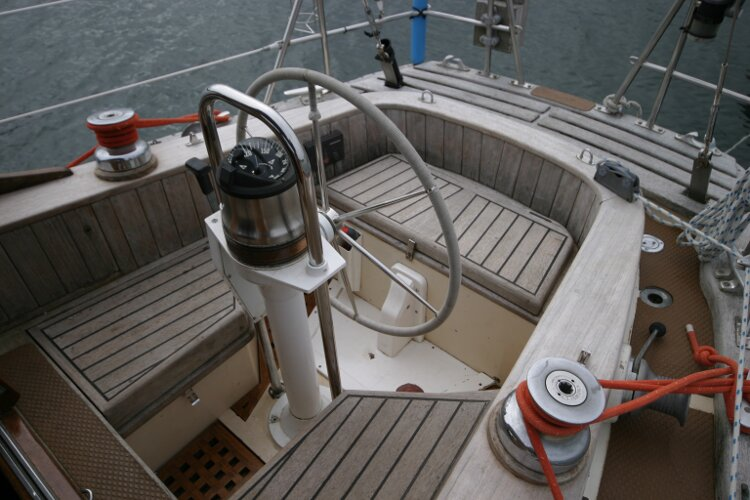 Bruce Roberts 34 Sailing Yachtfor sale Cockpit - Showing wheel steering.