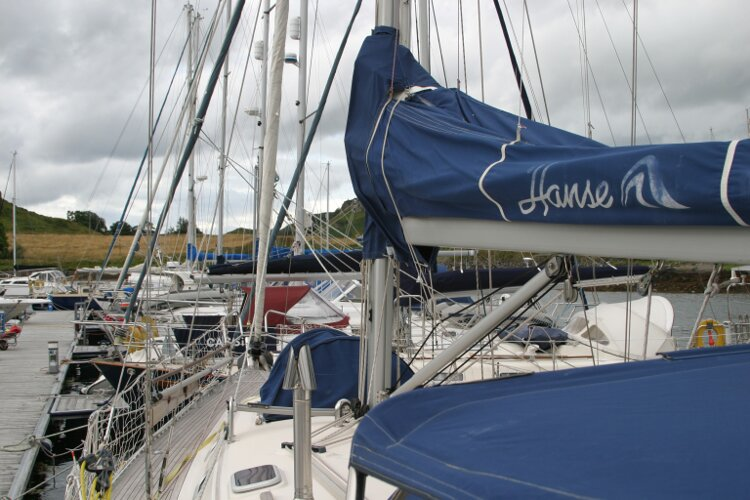 Hanse 411for sale Boom and sail cover -