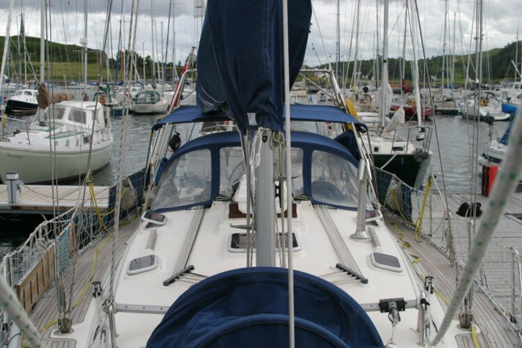 Hanse 411for sale Looking aft from the foredeck -