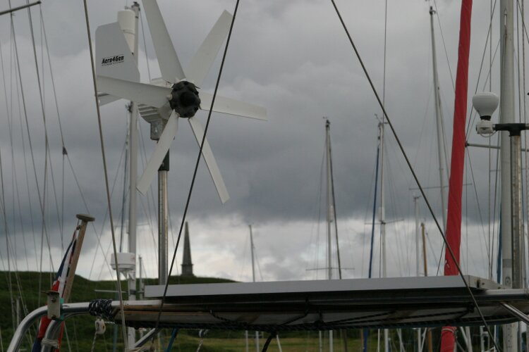 Hanse 411for sale Wind generator and arch with solar panels -