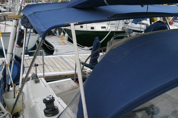 Hanse 411for sale Cockpit, starboard side -
