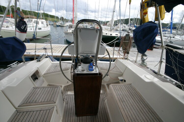 Hanse 411for sale Cockpit looking aft - from the companionway