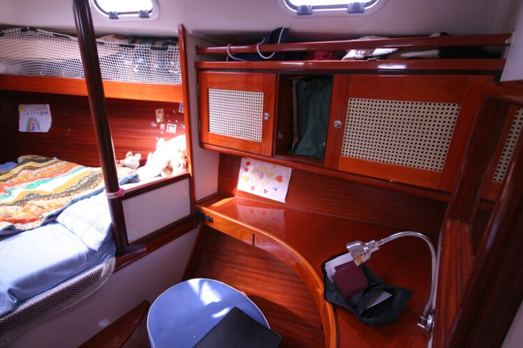Hanse 411for sale Forward Cabin Starboard Side - Writing Table