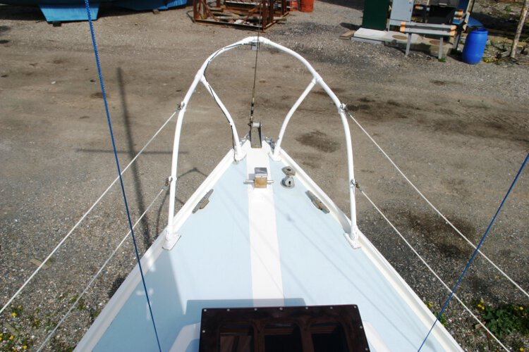 Colvic 26for sale The foredeck - Note the Samson post, this has been renewed recently