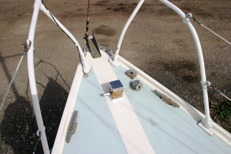 Colvic 26for sale The fore deck - Note the bow roller and new Samson post, plus two mooring cleats
