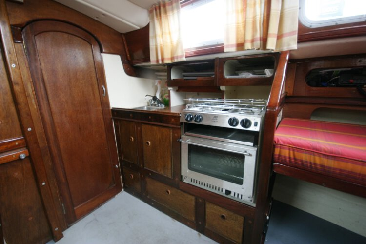 Morgan Giles for sale The galley - The galley is located on the starboard side of the saloon