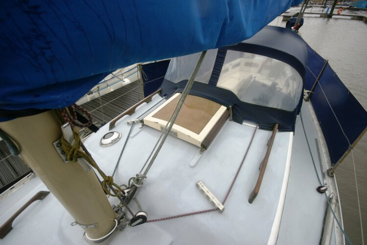 Morgan Giles for sale The coachroof - And mast detail, the sprayhood gives good shelter from the weather