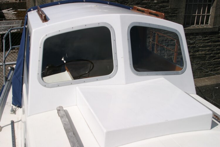 Colvic Springtide 25for sale Doghouse closeup - looking aft