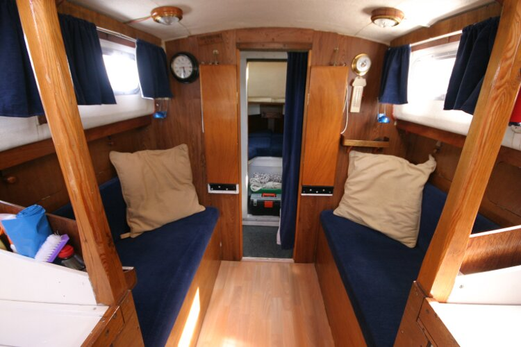 Colvic Springtide 25for sale Saloon Looking Forward. -