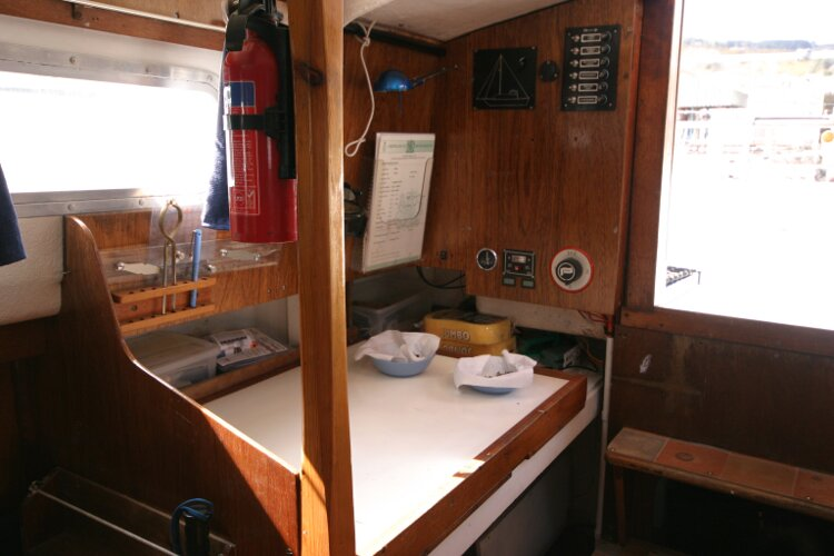 Colvic Springtide 25for sale Nav station on starboard side - as seen from the saloon