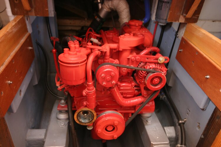 Colvic Springtide 25for sale Engine Compartment - Nearly new Beta Engine