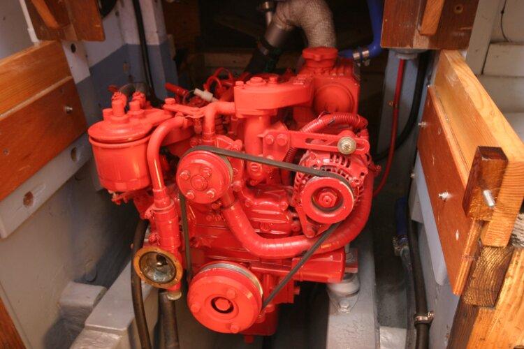 Colvic Springtide 25 Engine
