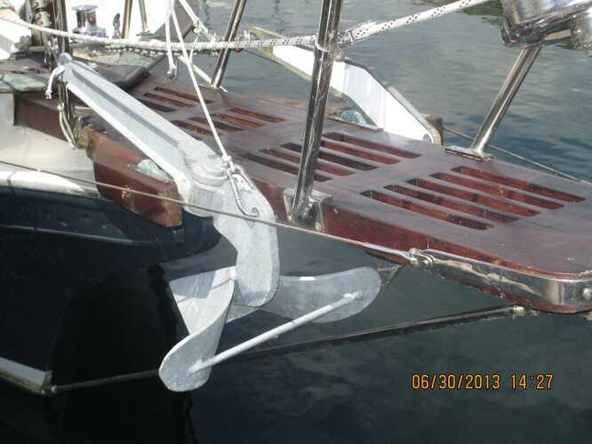 Kadey Krogen 38 Cutter Bowsprit