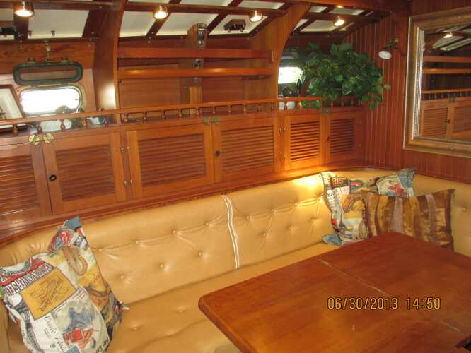 Kadey Krogen 38 Cutterfor sale Saloon dining area - Jeff Lesonsky ? 2013 All Rights Reserved