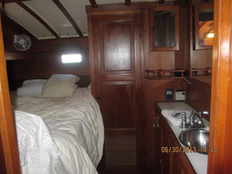 Kadey Krogen 38 Cutter Owner's cabin