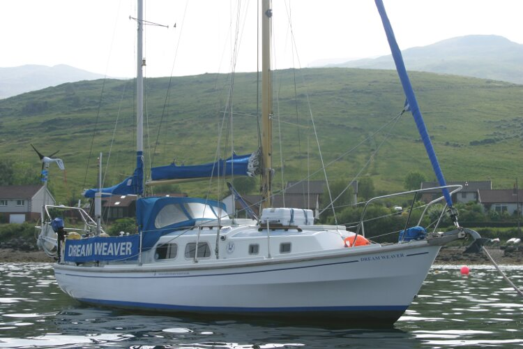Westerly Renown Starboard Bow