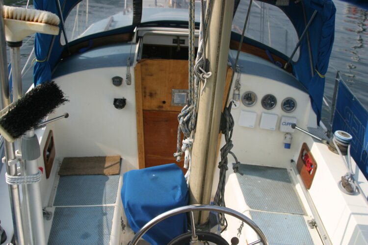 Westerly Renown Cockpit from the stern