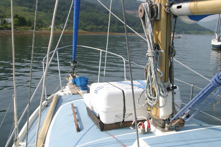 Westerly Renown Main mast base and liferaft
