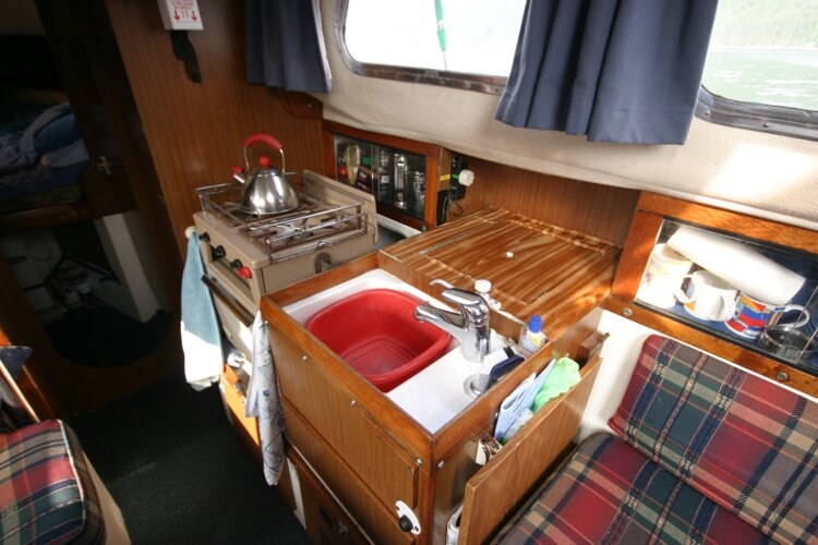Westerly Renown Galley, to starboard