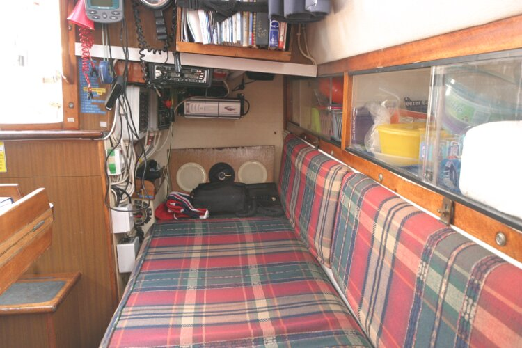 Westerly Renown Port side of companionway