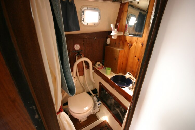 Westerly Renown Heads Compartment to Port