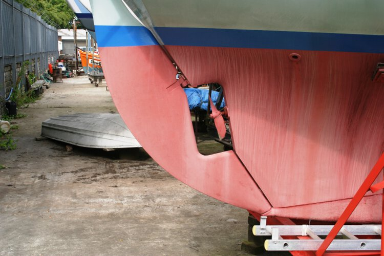Halmatic 30for sale The keel hung rudder -