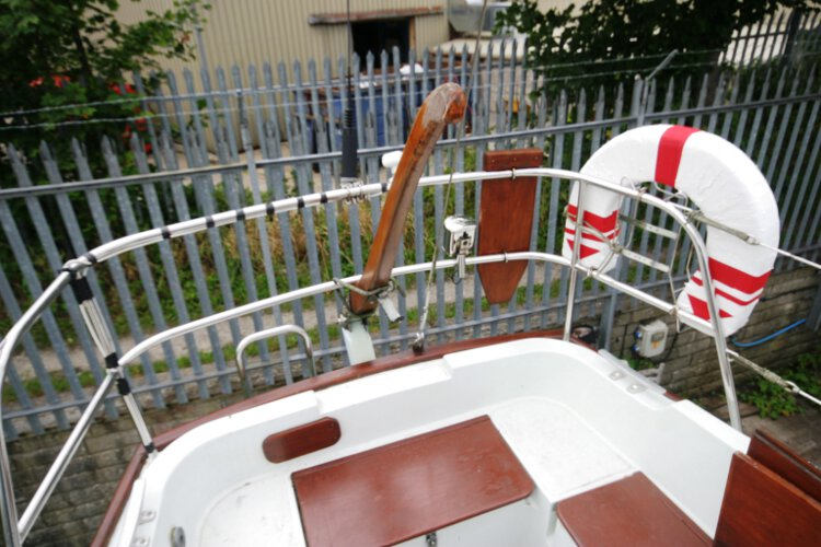 Halmatic 30for sale The tiller - Note the outboard bracket
