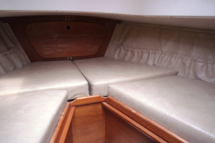 Halmatic 30for sale The fore cabin - This can also convert to a double if required.