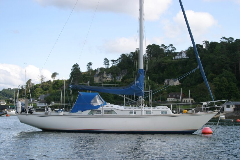 west yacht broker