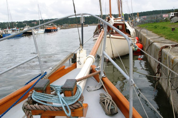 Wooden Classic Gaff cutterfor sale The fore deck - Note the substantial mooring bits