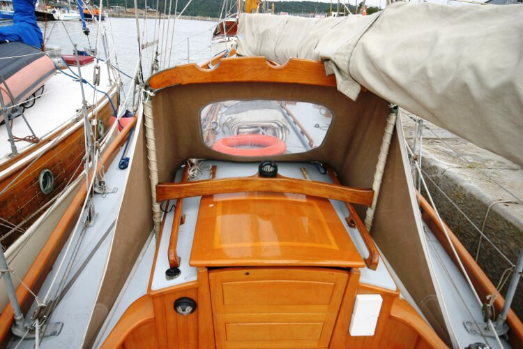 Wooden Classic Gaff cutterfor sale The main companionway - Looking under the spray hood