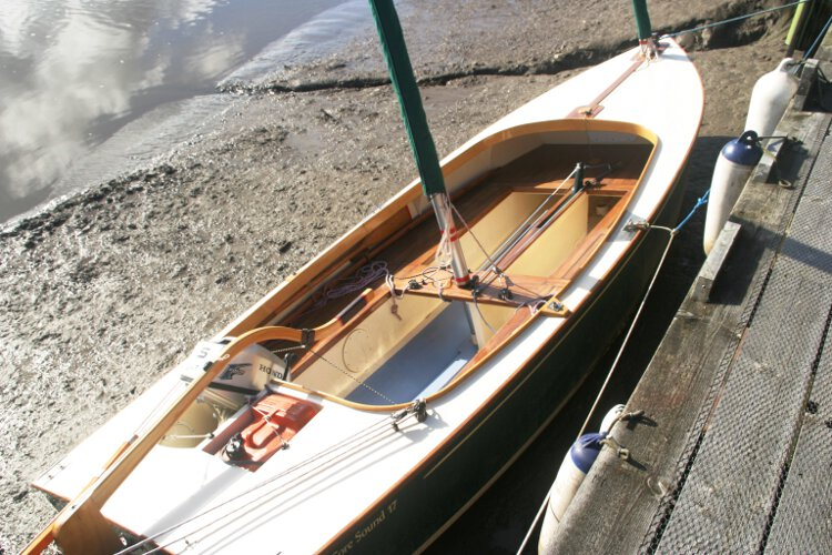 Wooden Classic Core Sound 17 Seen from ashore