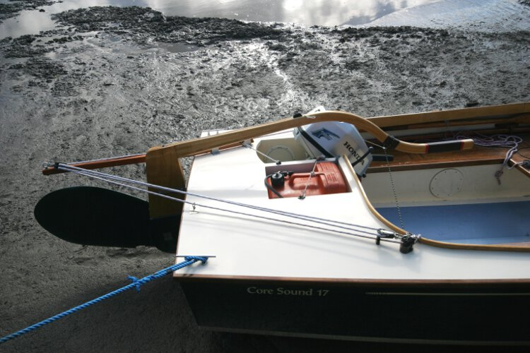 Wooden Classic Core Sound 17 Close up view of the stern deck