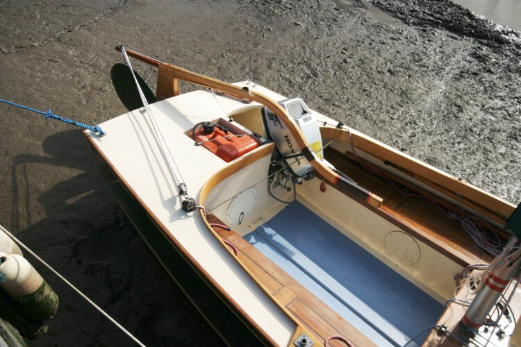 Wooden Classic Core Sound 17 Close up of the tiller