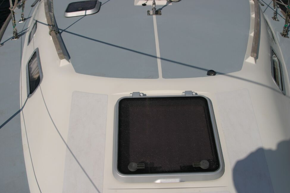 Westerly Riviera 35 MkIIfor sale Forehatch -  - spot the broker's shadow!
