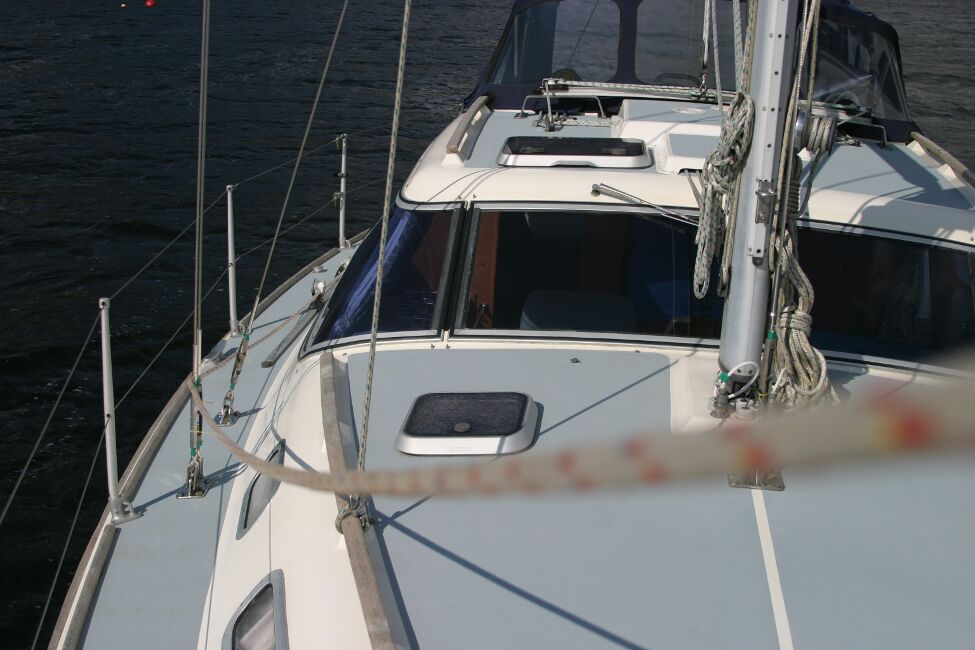 Westerly Riviera 35 MkIIfor sale View aft - Starboard side
