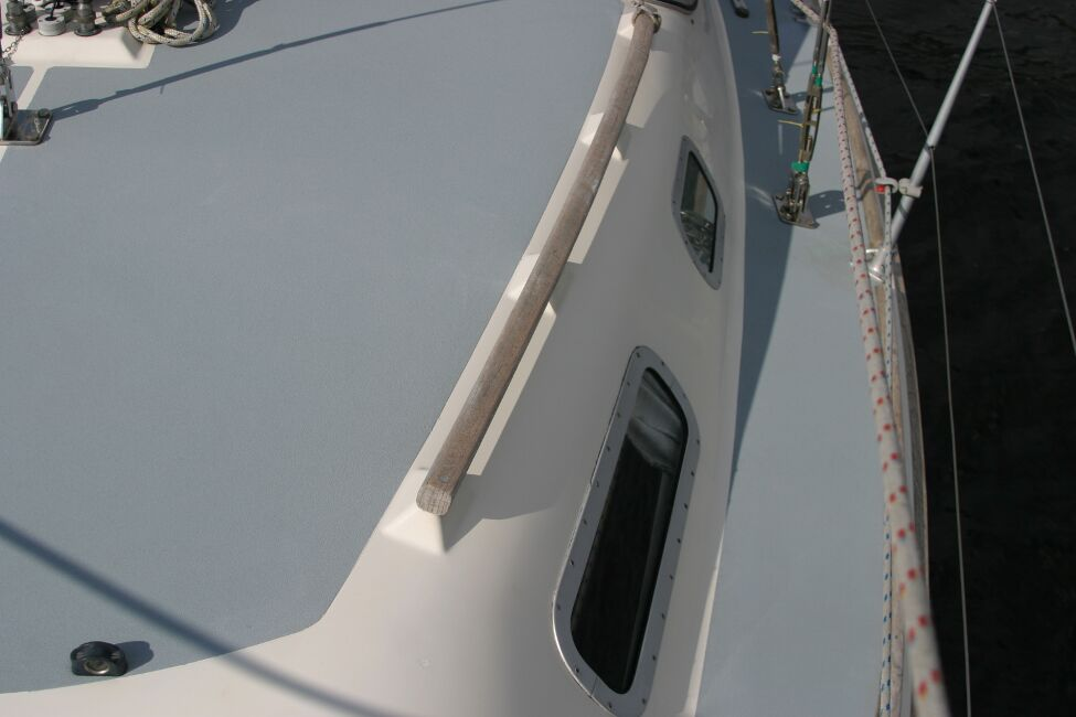 Westerly Riviera 35 MkIIfor sale Port side Walkway - showing portholes