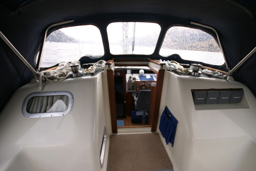 Westerly Riviera 35 MkII Companionway to Bridge Deck