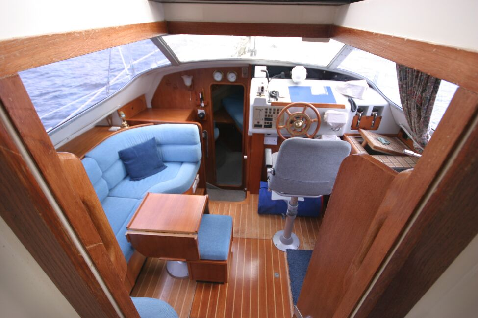 Westerly Riviera 35 MkIIfor sale View into Companionway -