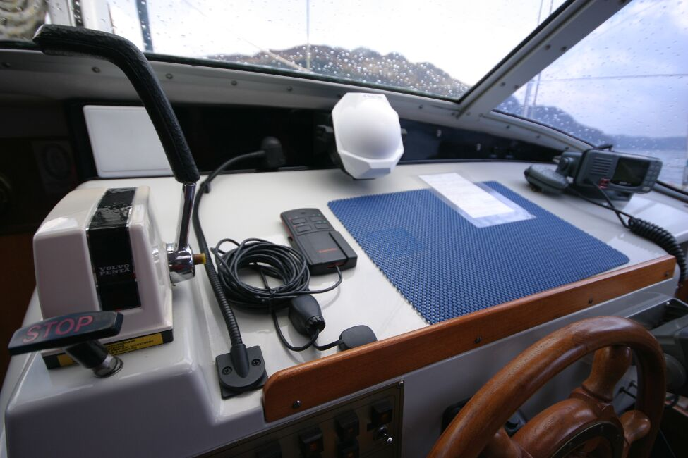 Westerly Riviera 35 MkIIfor sale Helm Controls and Workarea -