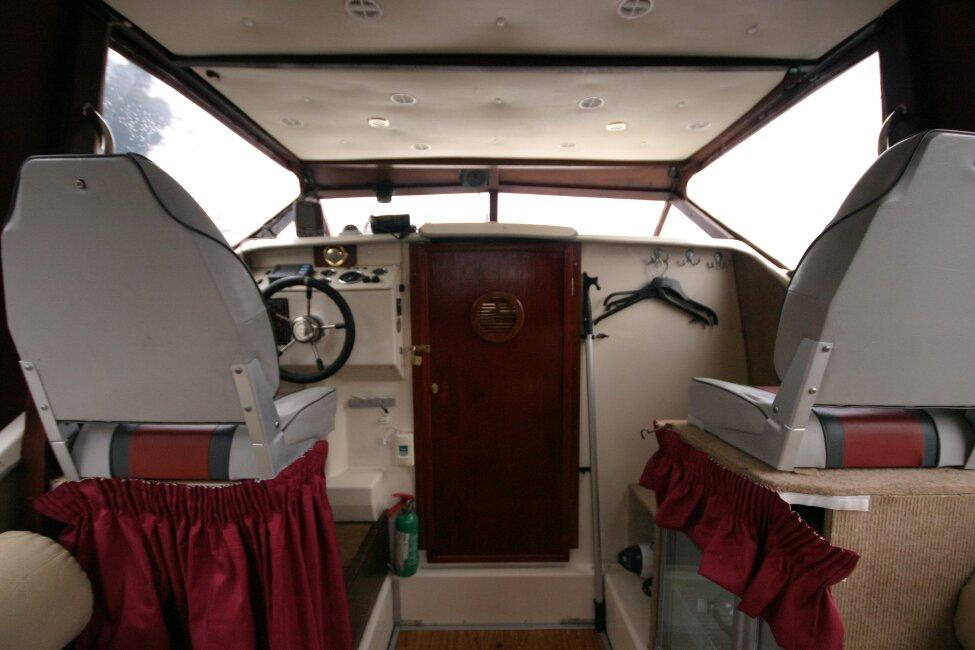 Shetland 640 Hardtop View forward to cabin entrance