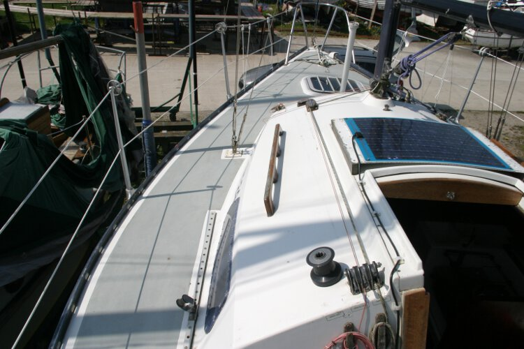 Master Marine Eygthenefor sale The port side deck -
