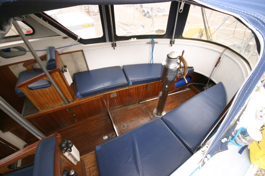 Finnsailer 35ft Motor Sailer Cockpit, wide angle view